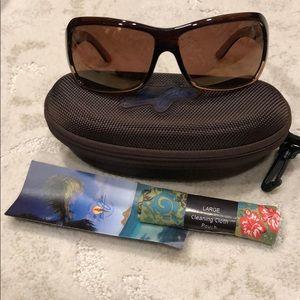 "Accessories - ""Like New"" Maui Jim unisex sunglasses"
